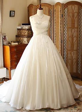 ウェディングドレス ベルライン レンタル